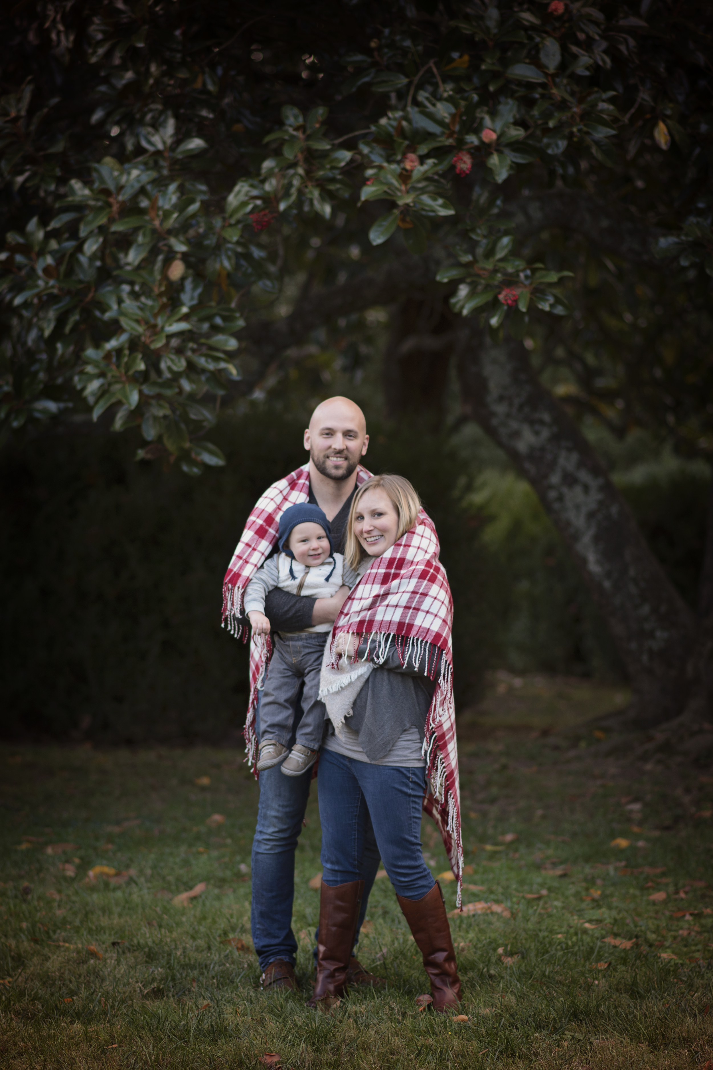 Fall Family with Blanket Arlington Photographer Kate Montaner Photography
