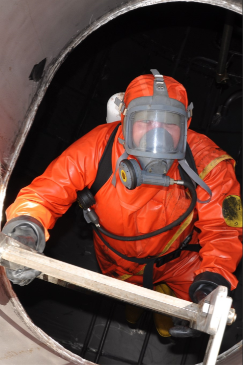 Confined space training.png