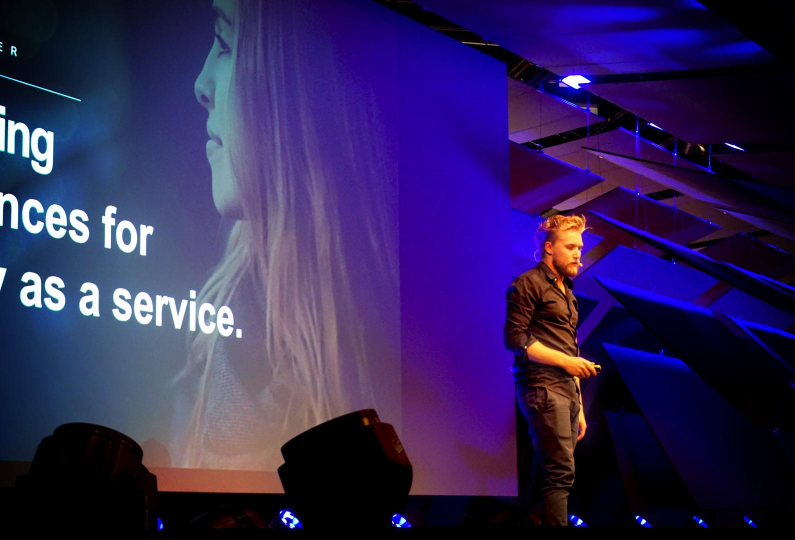SebastianGier_Conference5.jpg