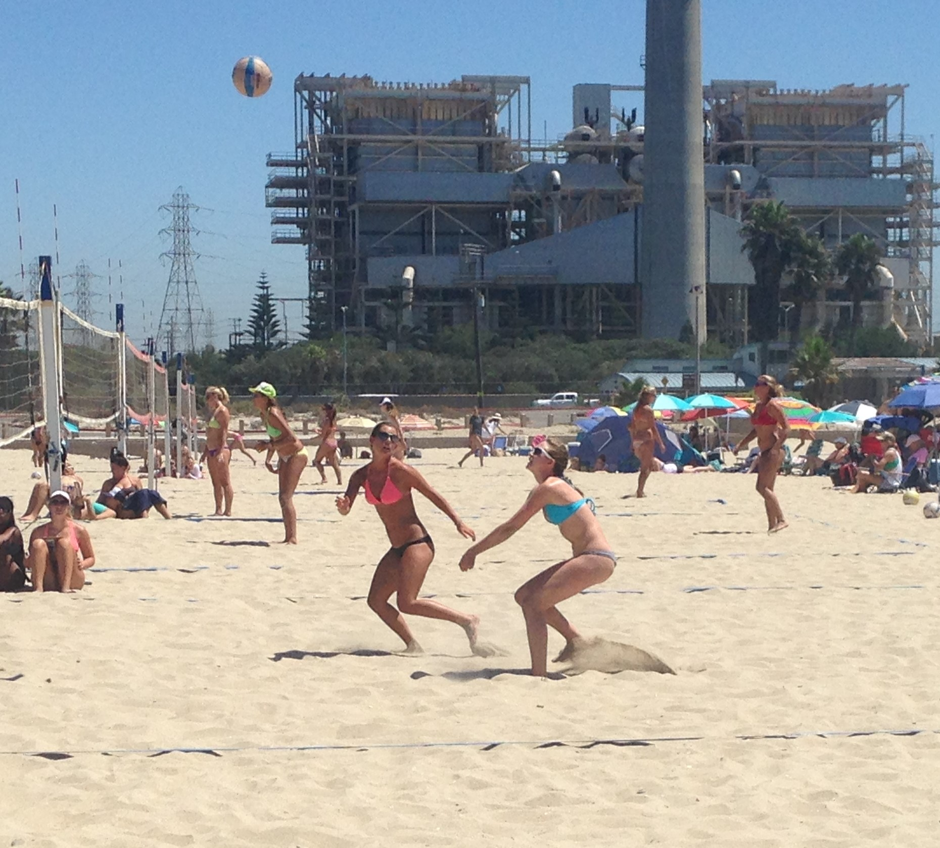 Bailey Barton and Tressa Buckland came out from Utah to try their hands at California beach volleyball