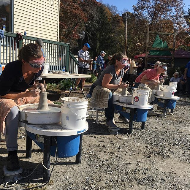 Pam and Casia @silo_knoll_pottery alongside Clive from @thevillagepotters kicking butt at the blindfolded event for the clay Olympics!  2 pounds and 2 minutes like rockstars