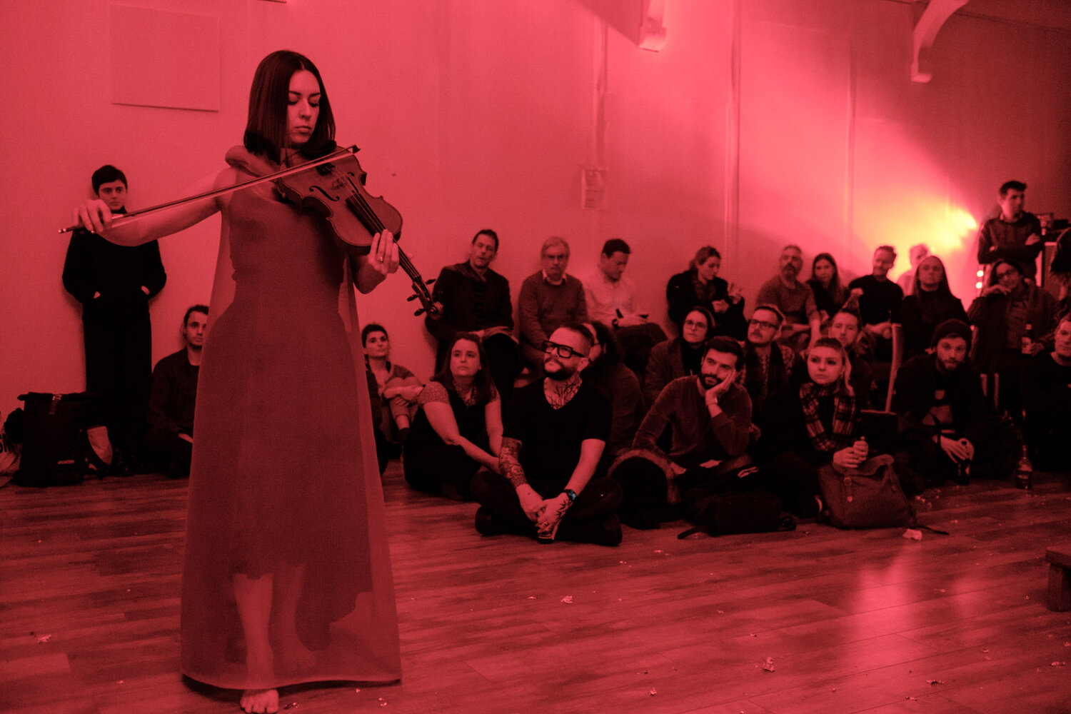 Associate Composer 19-20 Lola de la Mata performing at her curated Nonclassical event The Gaze. Photo by Dmitri Djuric.