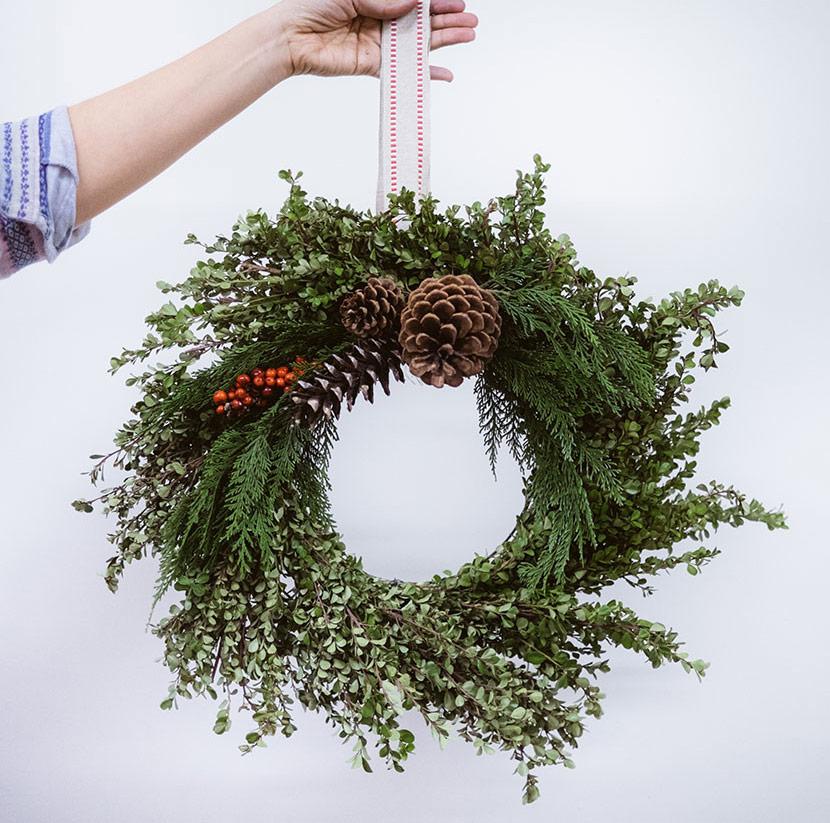 diy winter wreath workshop boxwood wreath diy wreath holiday