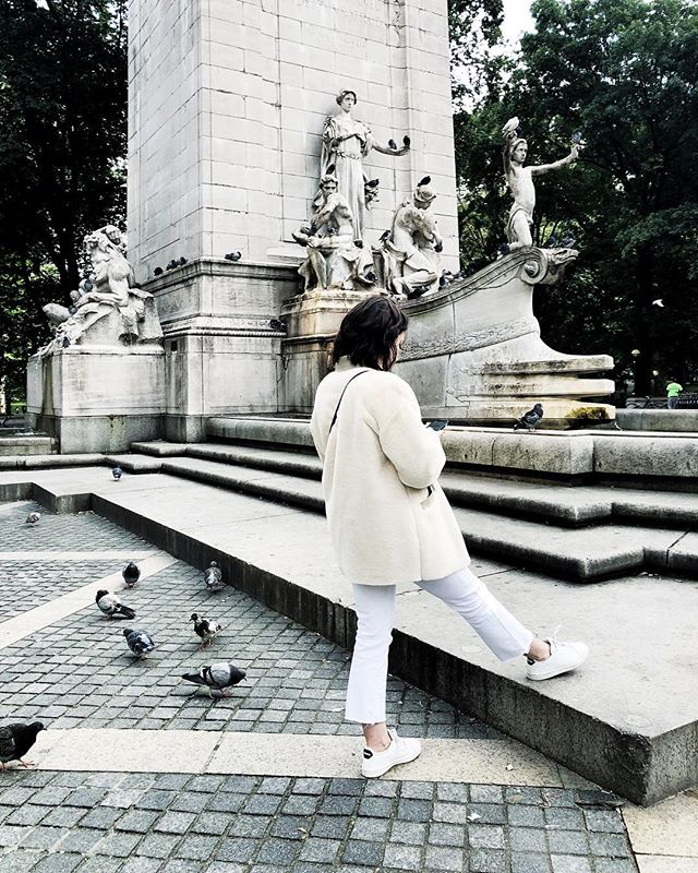 2019 is the 'Year of the Pigeon Lady'! 🐦 #winterwhite #streetsofnewyork