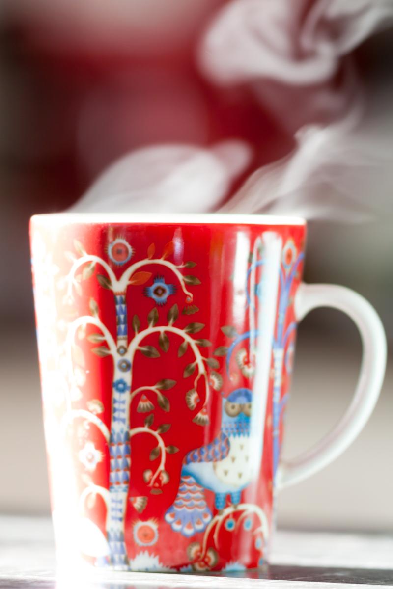 hot-coffee-Iittala-mug-red