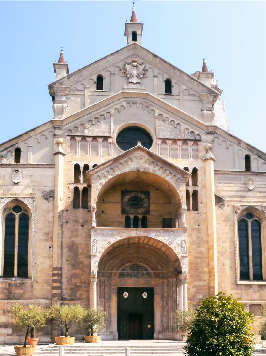 Duoma Santa Maria Matricolare - Verona, Italy