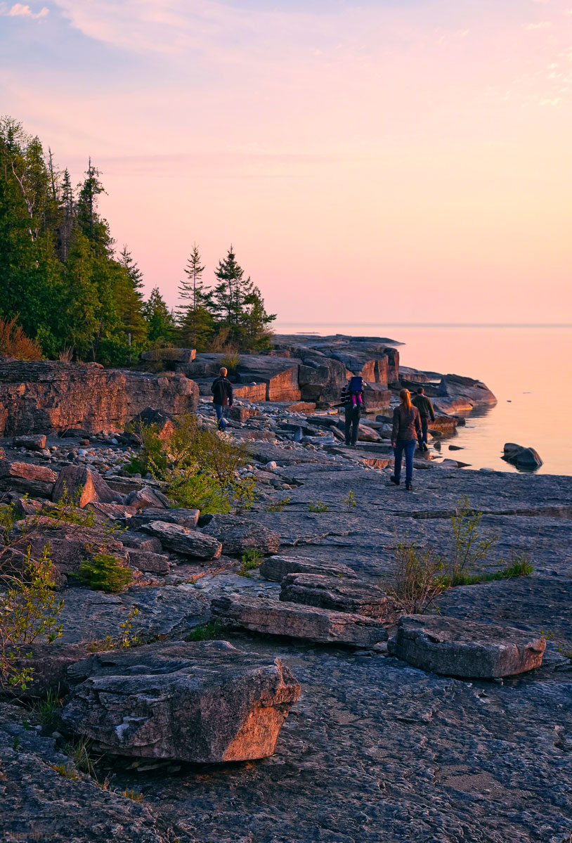 manitoulin-island-ontario-canada-providence-bay-rocky-shore-sunset-spring