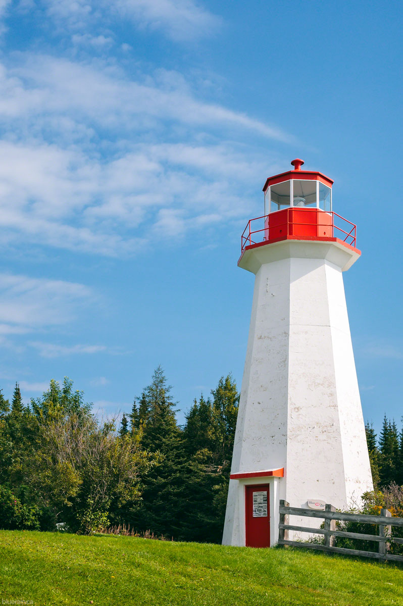 quebec-canada-lighthouse-Saguenay–St-Lawrence-Marine-Park