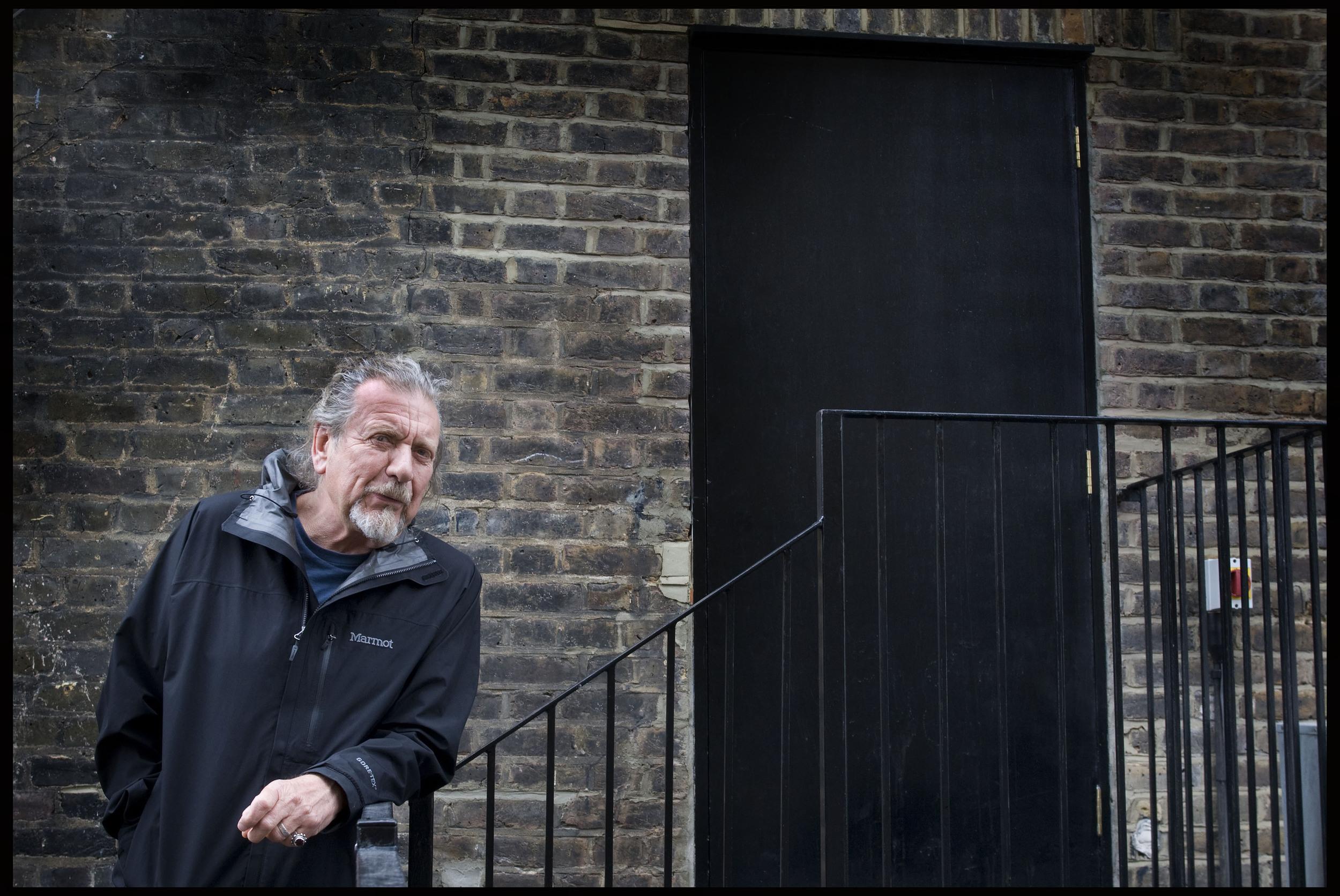 Robert Plant, singer songwriter