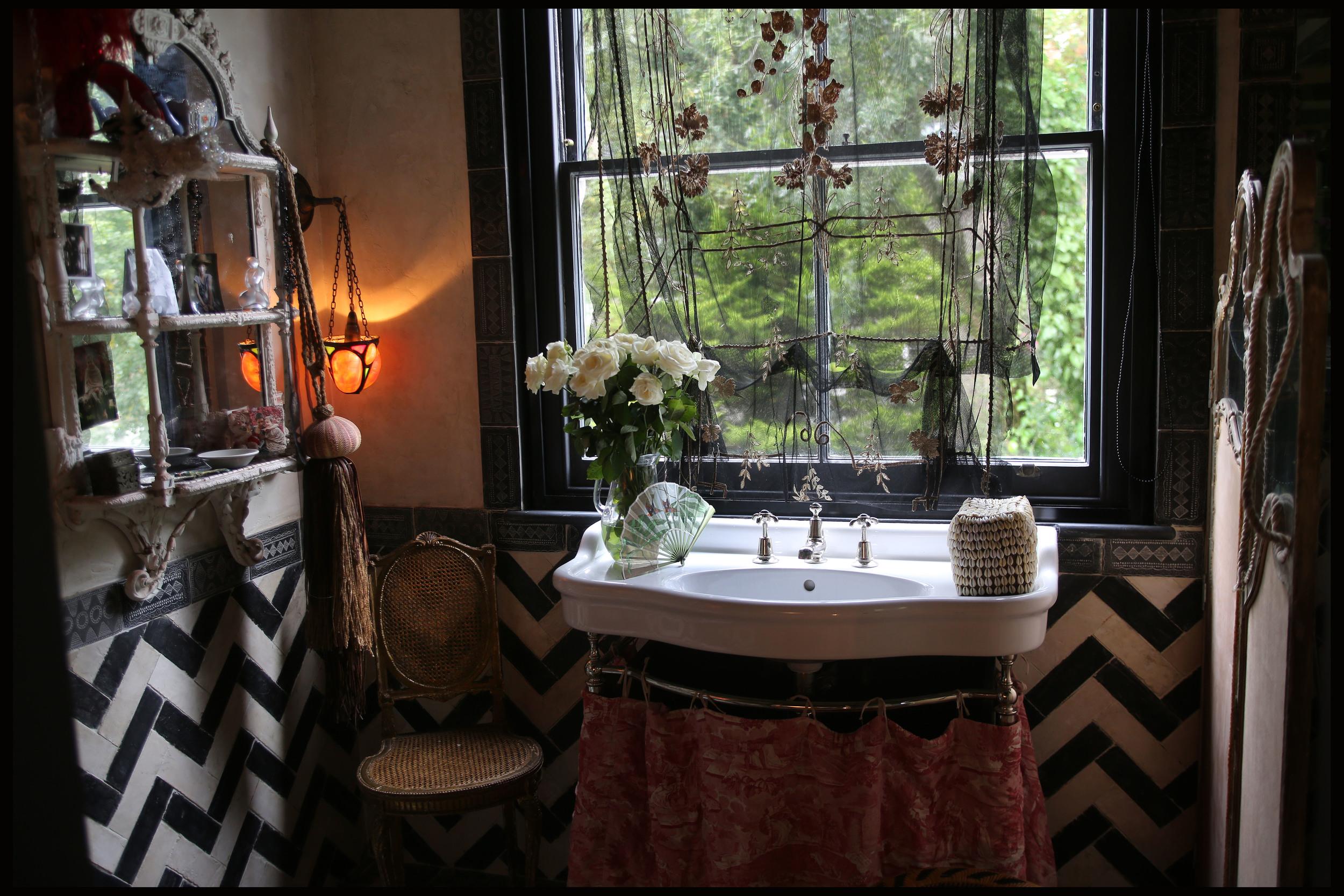 Little Venice Rooms, London W9  decorated by www.seraoflondon.com