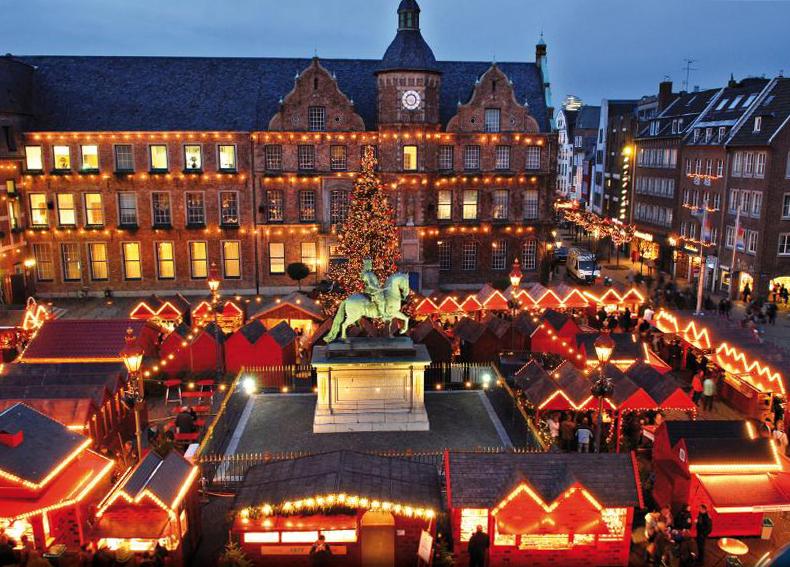 Christmas marketplace at City Hall