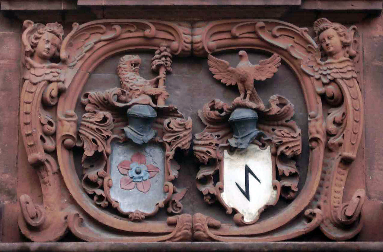 Gernsbach coat of arms: the Eberstein house rose on the left, the boathook (symbol of the ancient Gernsbach timber raftsmen guild) on the right