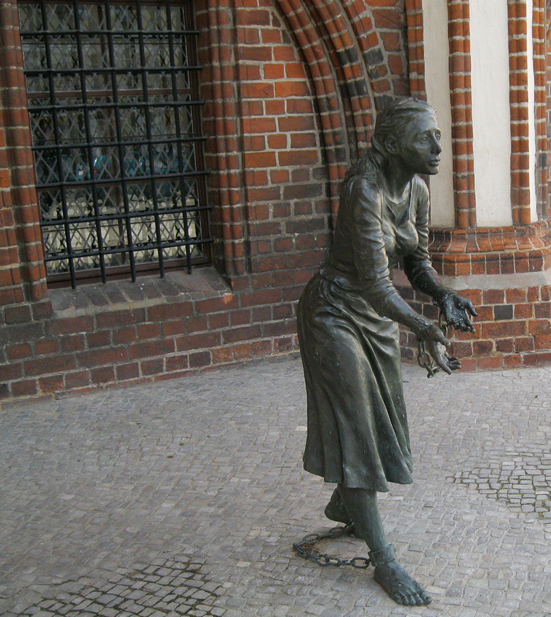 Memorial to Grete Mide, a local woman burned at the state for allegedly setting fire to Tangermünde in 1617
