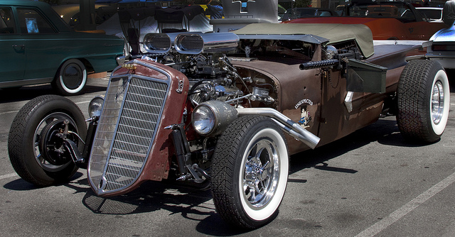 Bad Attitude: a rat rod with mounted machine guns