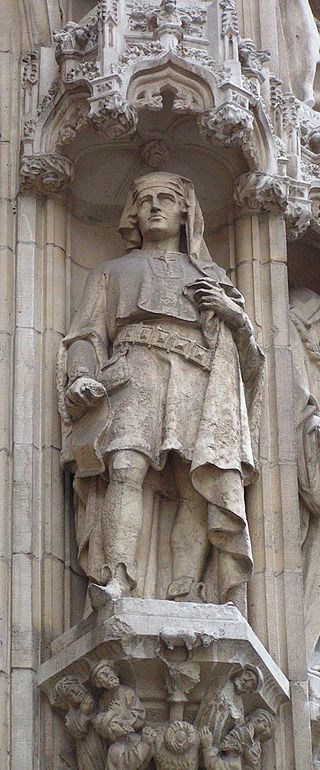 Statue of Coutereel on the Leuven city hall facade