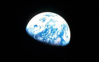 Earthrise 1968DETAIL.jpg