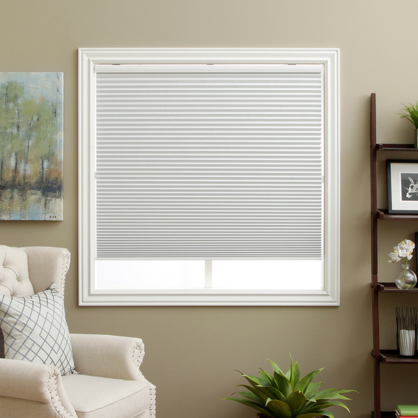 Honeycomb-Cell-Blackout-White-Cordless-Cellular-Shades-73e4d543-502c-4f7e-bb55-93c6819d230d_600.jpg