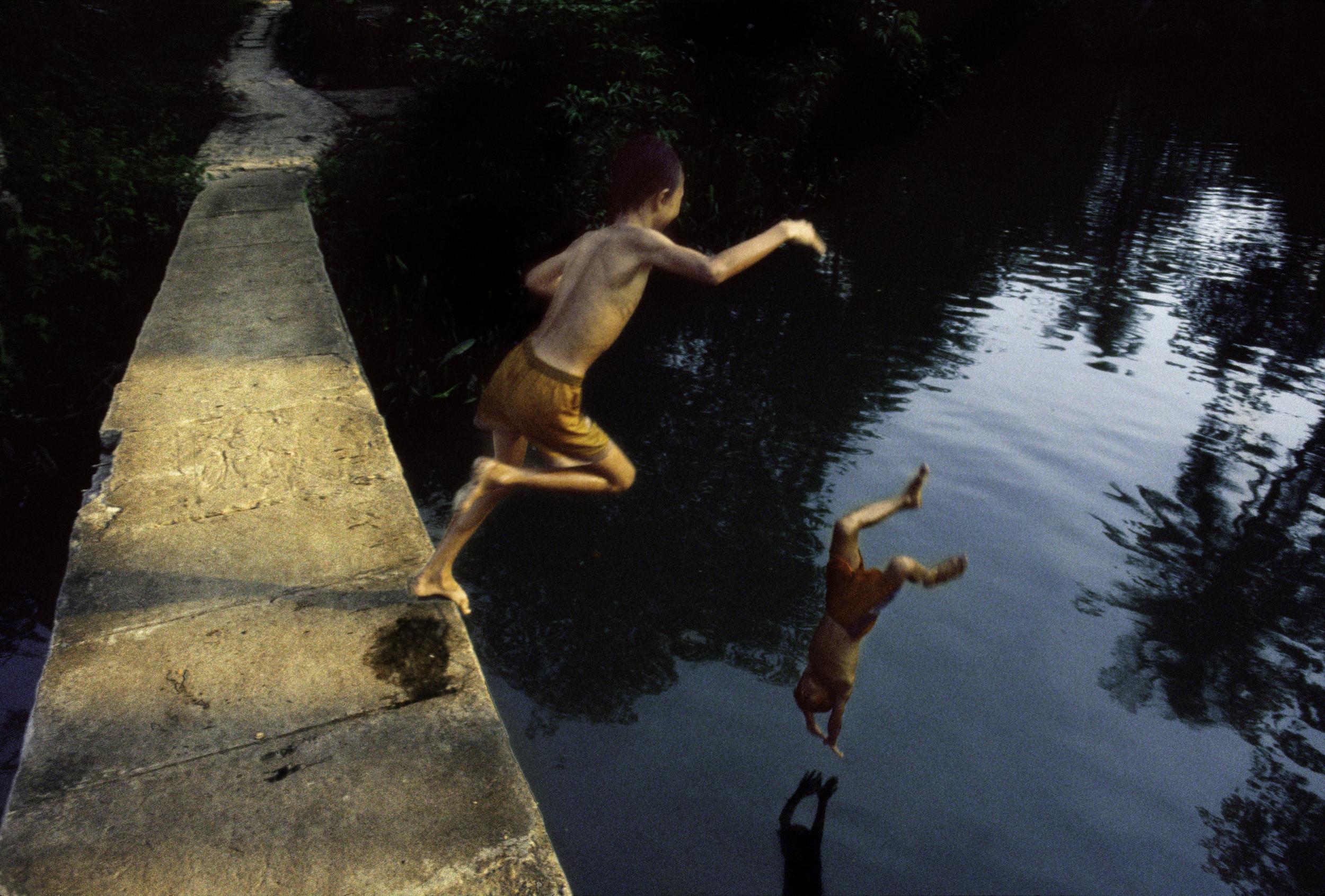 MEONG_DS_JUMPNG.jpg