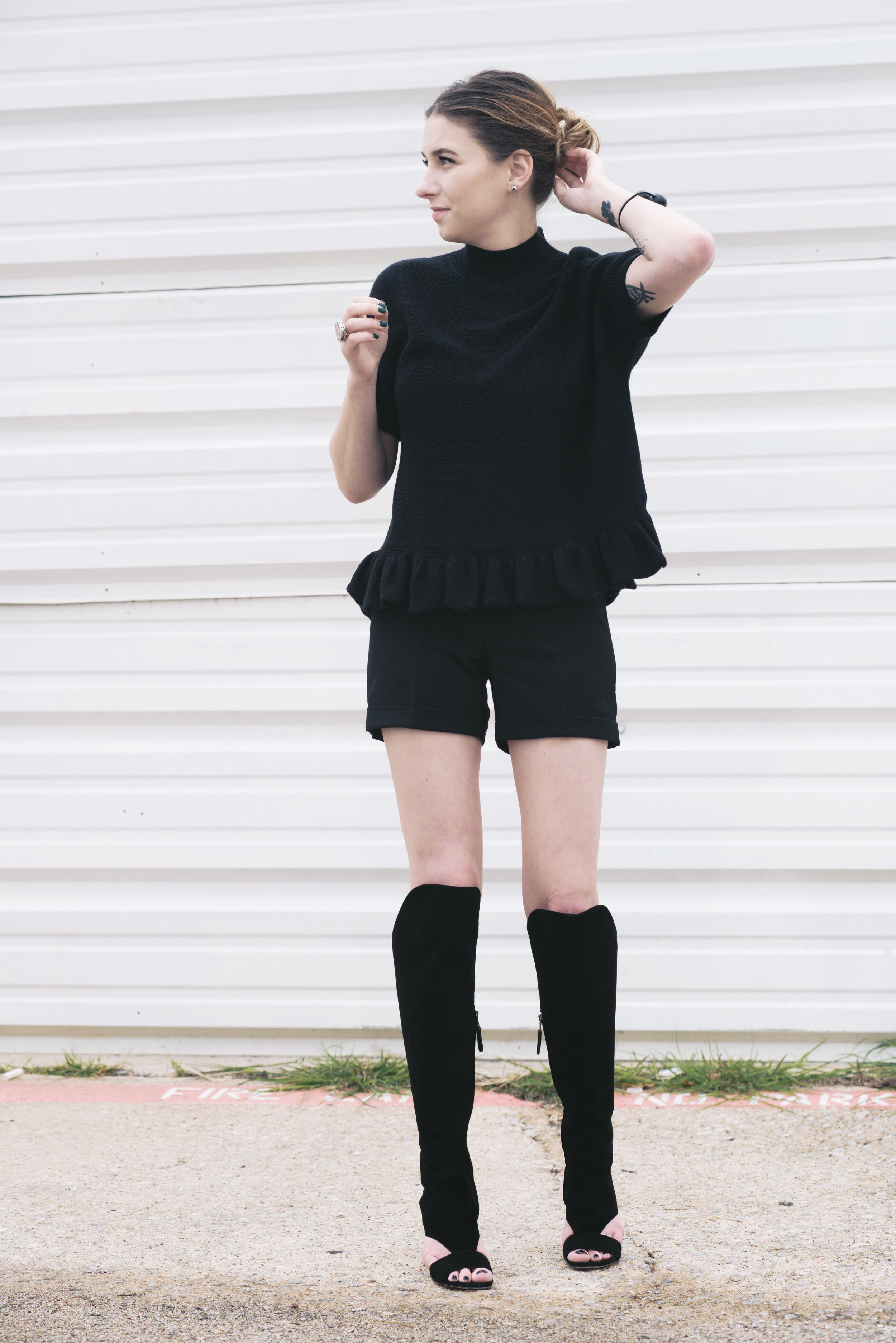 kate spade mock-turtlenecked ruffle-hemmed pullover