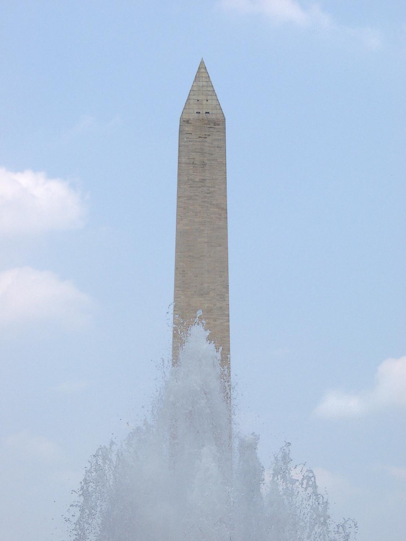 20040701_dc_monument_spray.jpg