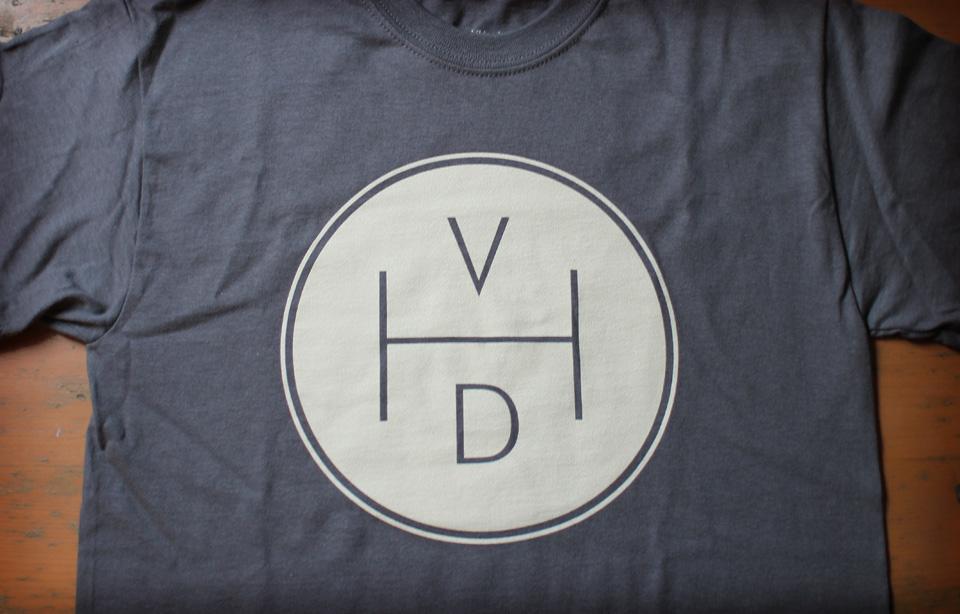 Vintage Hiking Depot. T-shirt