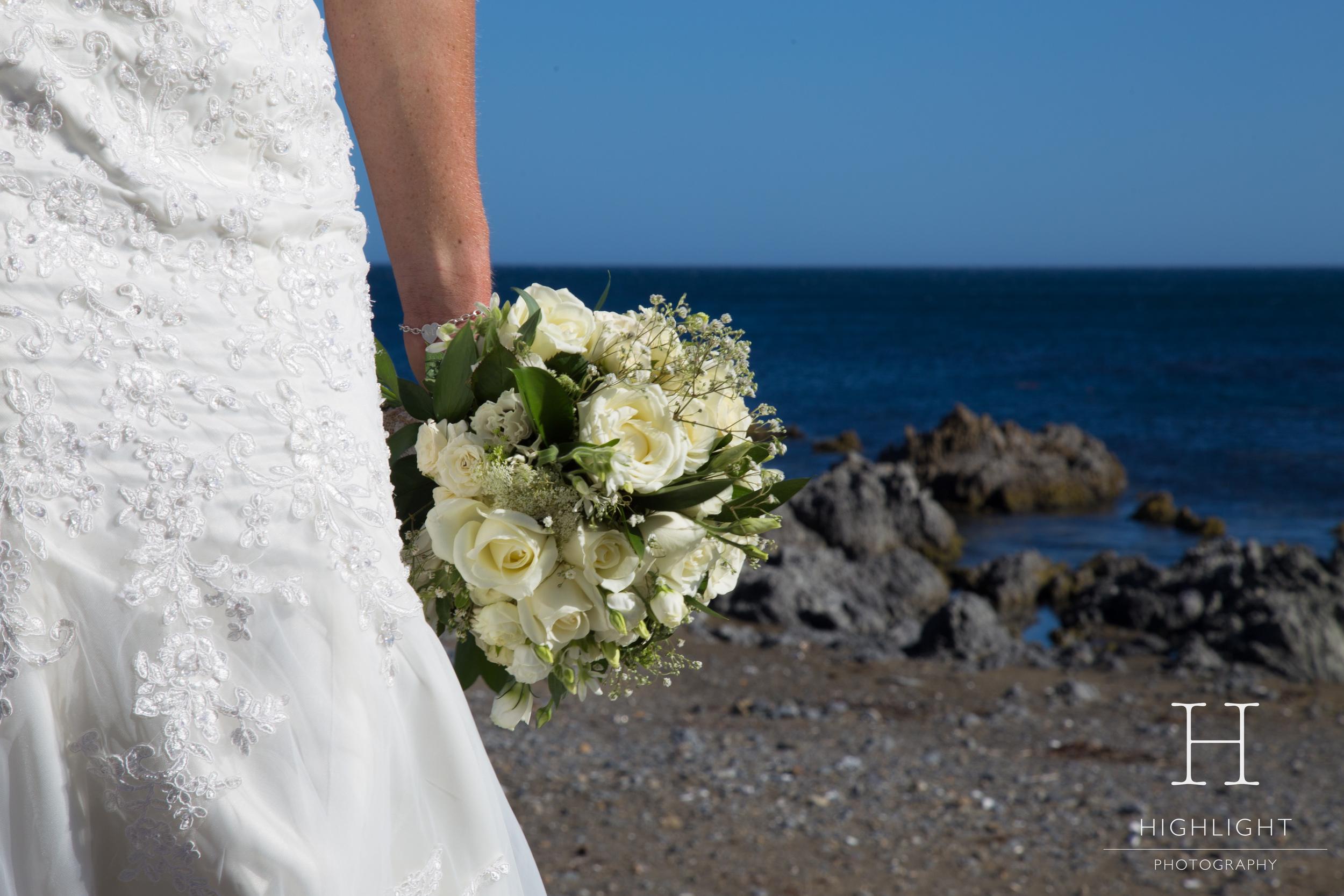 highlight_kc_flowers_beach_wedding.jpg