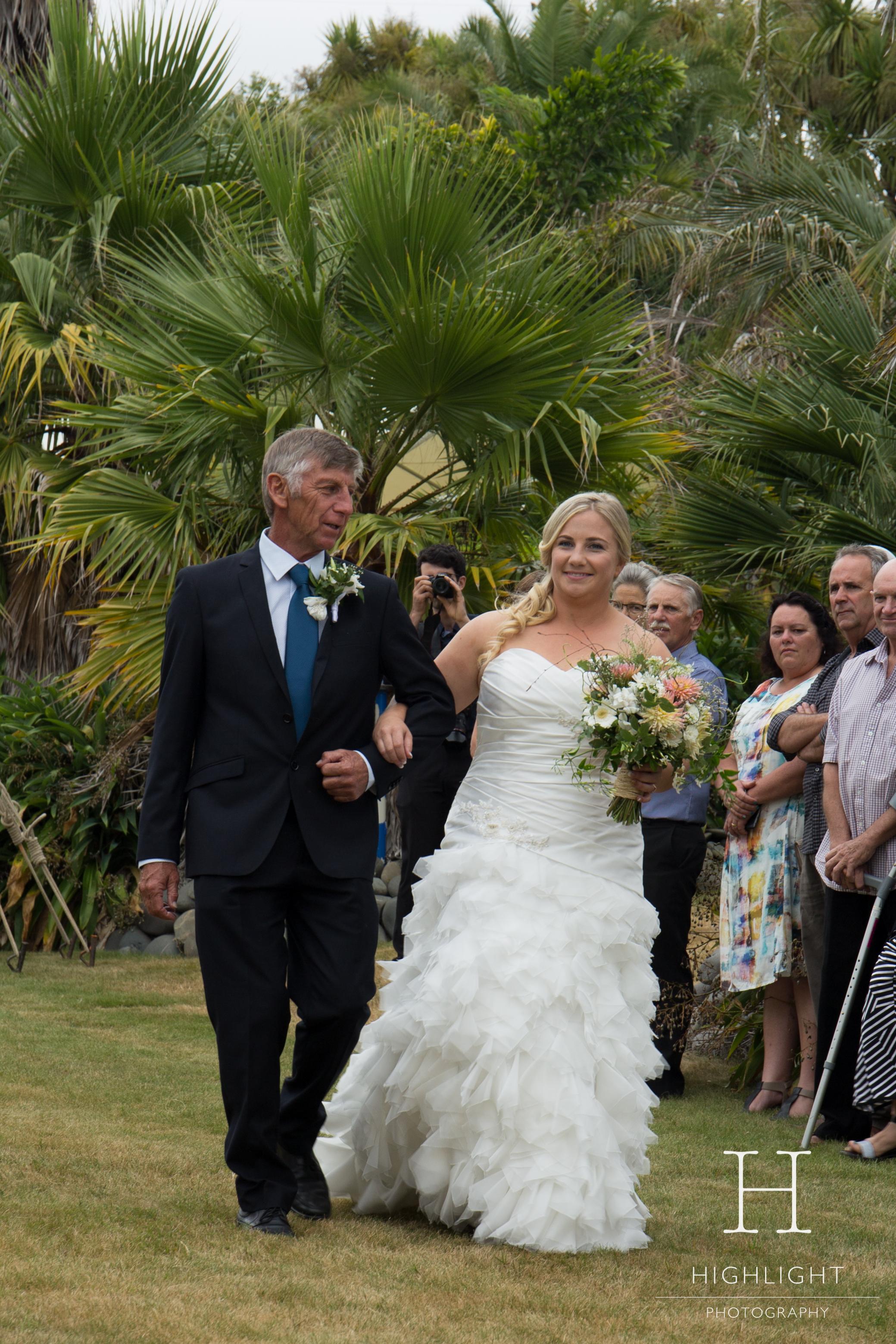 highlight_photography_wedding_new_zealand_flowergirl.jpg