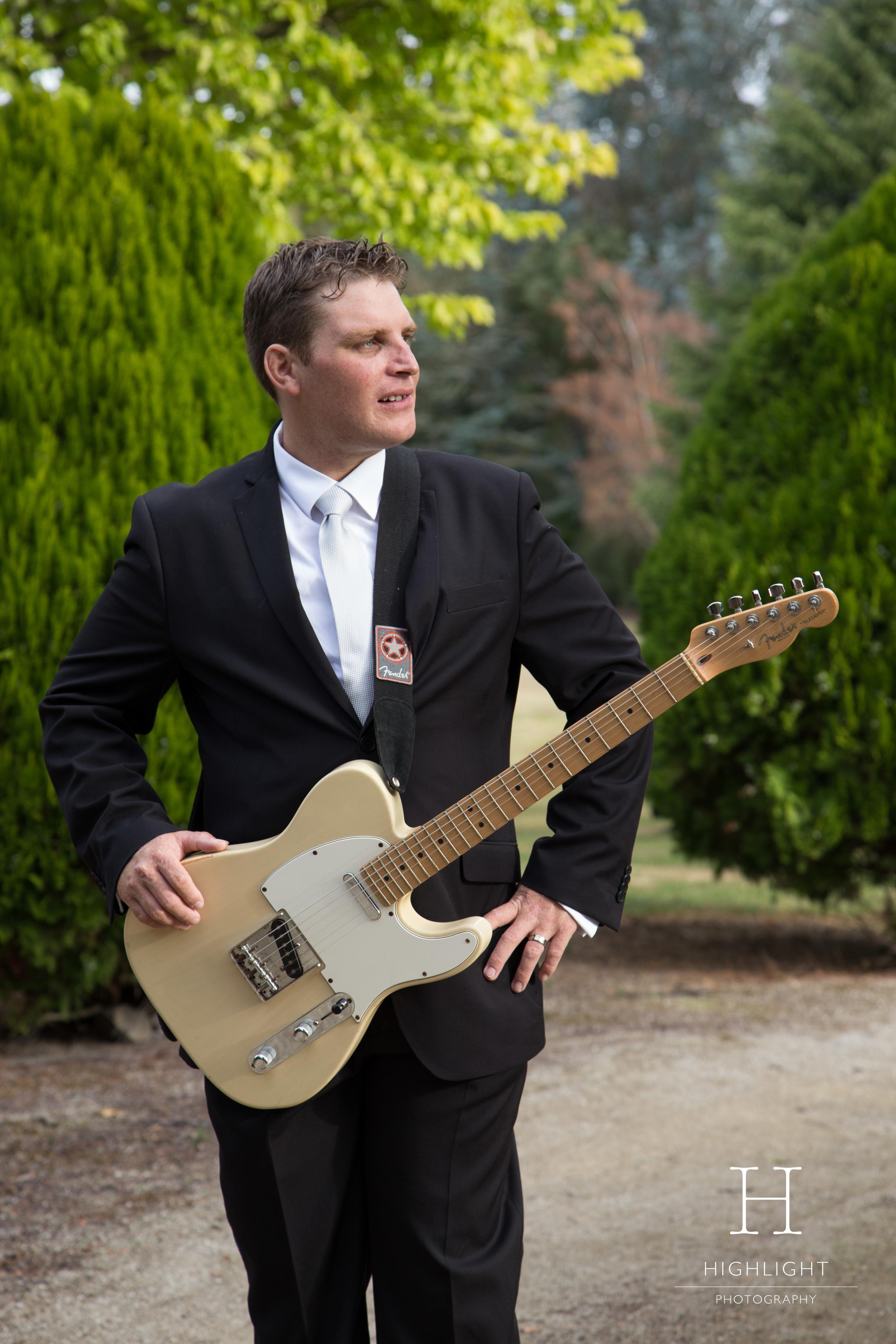 highlight_photography_wedding_new_zealand_guitar.jpg