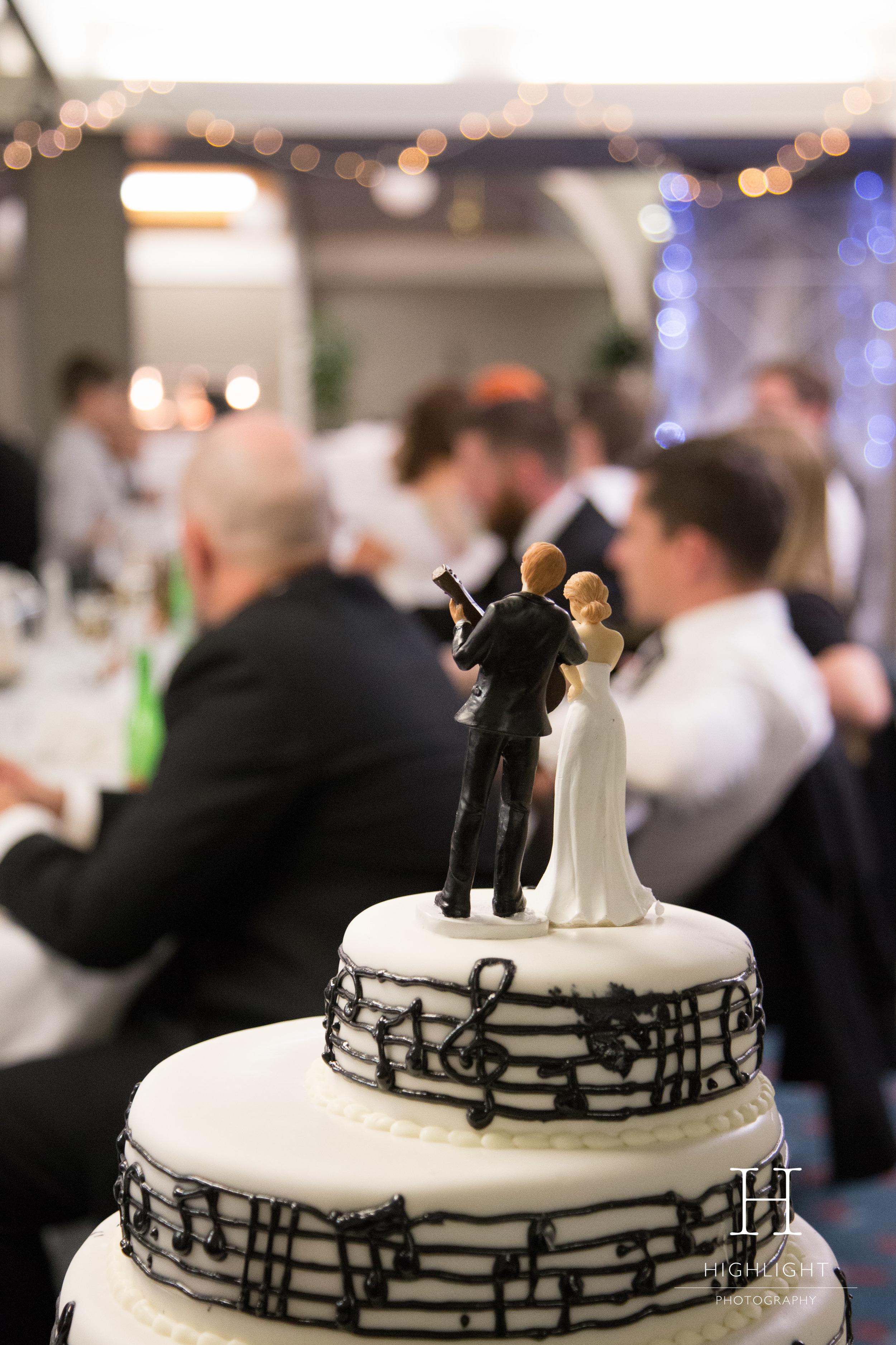 highlight-wedding-photography-palmerston-north-copthorne-cake.jpg