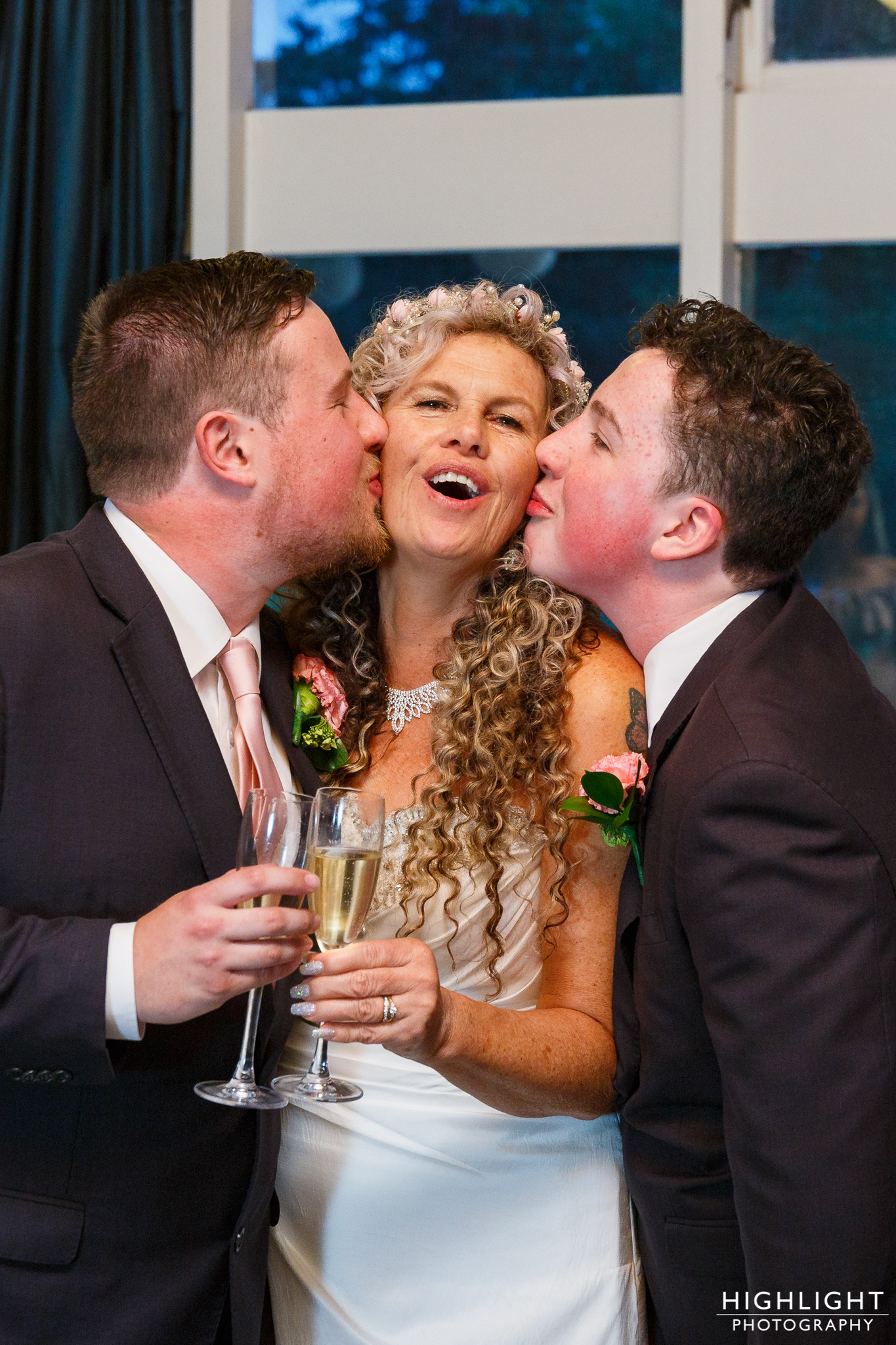highlight_wedding_photography_palmerston_north_manawatu_chalet_wedding-126.jpg