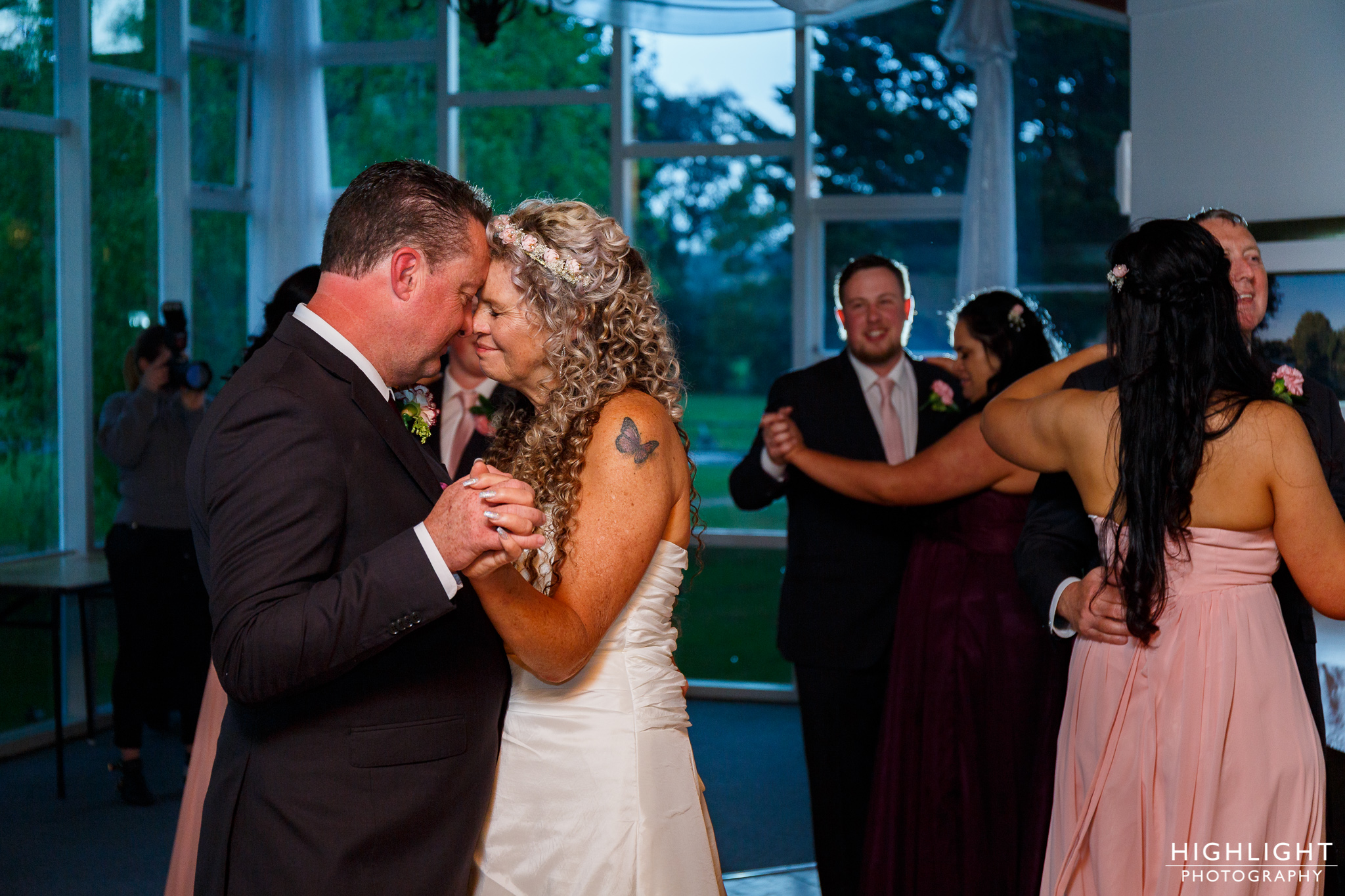 highlight_wedding_photography_palmerston_north_manawatu_chalet_wedding-122.jpg