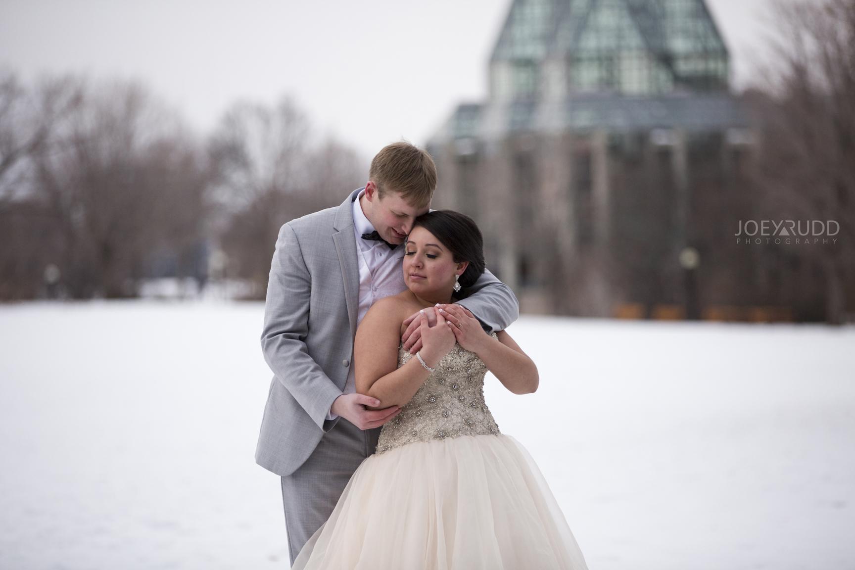 Downtown Ottawa Wedding Photographer Nataional Art Gallery Winter