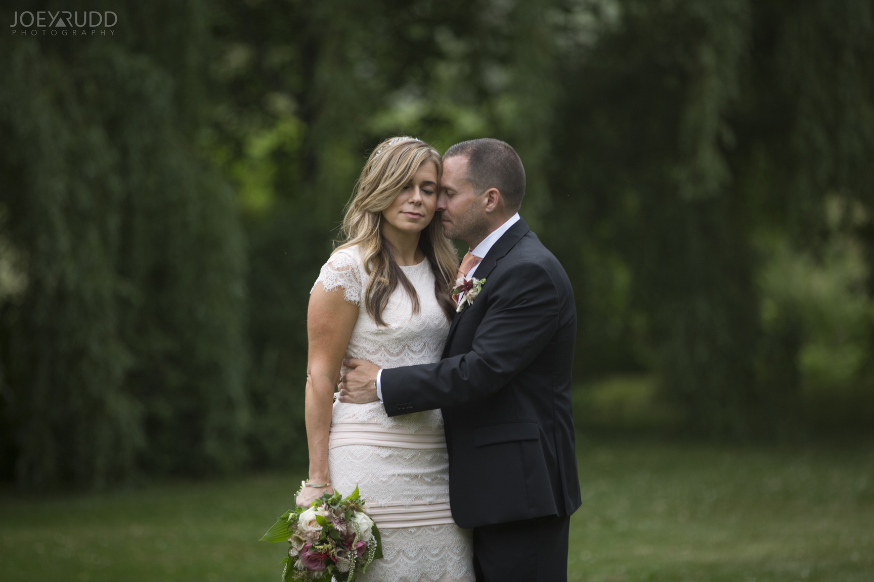 Elopement Wedding by Ottawa Wedding Photographer Joey Rudd Photography Arboretum Nature Willow Love