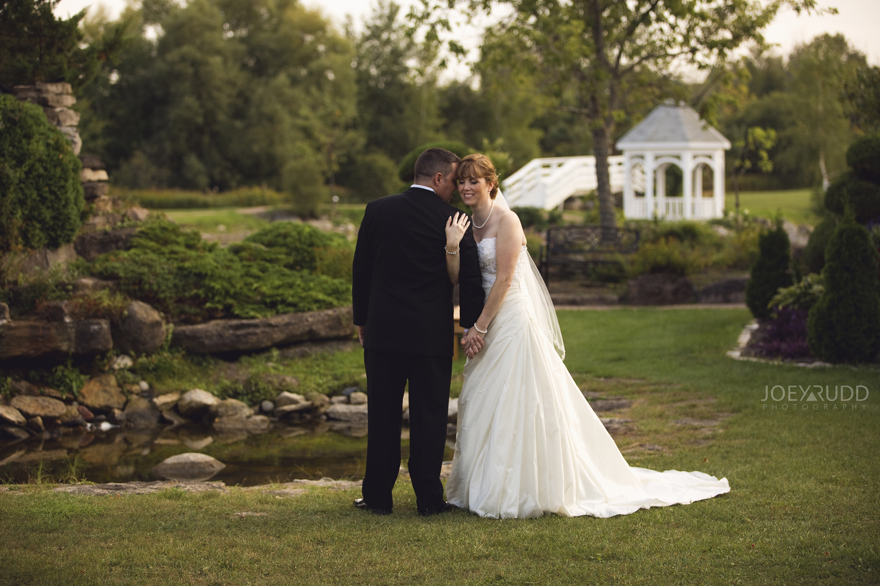 Ottawa Wedding at Orchard View by Joey Rudd Photography in Manotick