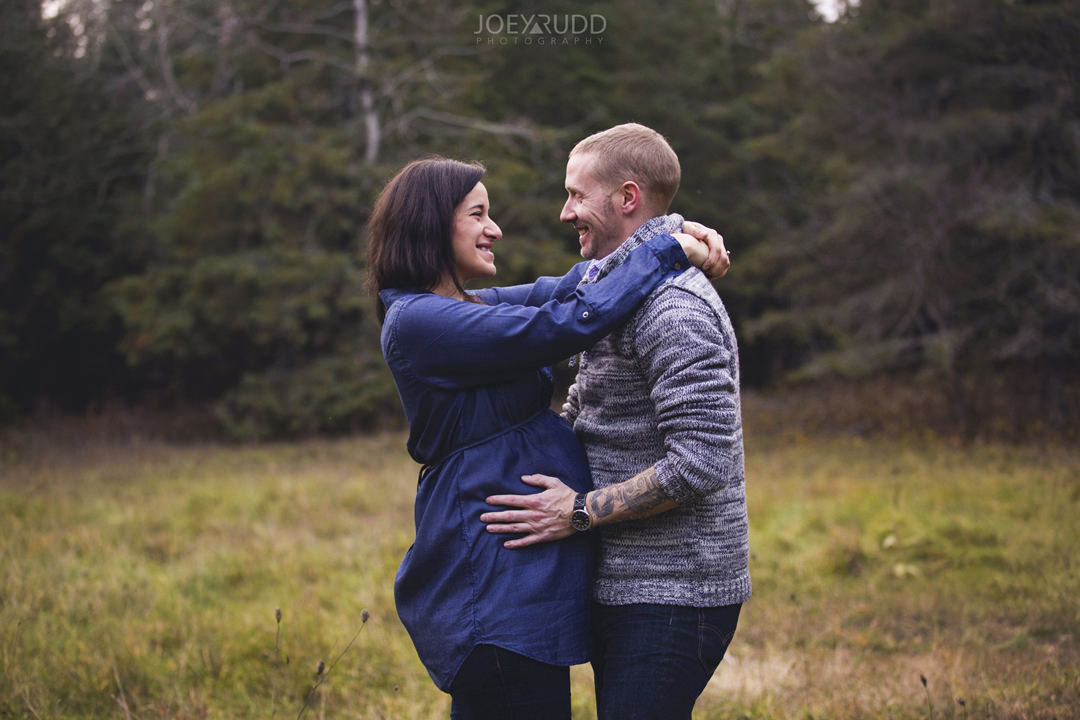 Family and Maternity Session by Ottawa Photographer Joey Rudd Photography Tatoo