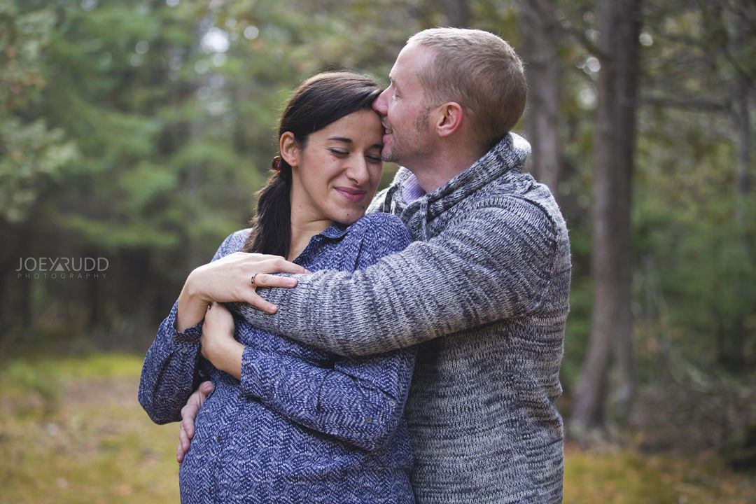 Family and Maternity Session by Ottawa Photographer Joey Rudd Photography Nature