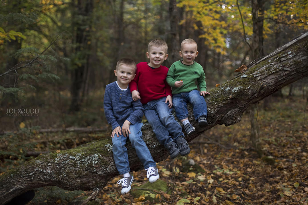 Family Photography Carleton Place by Ottawa Photographer Joey Rudd Photography Kids in Nature