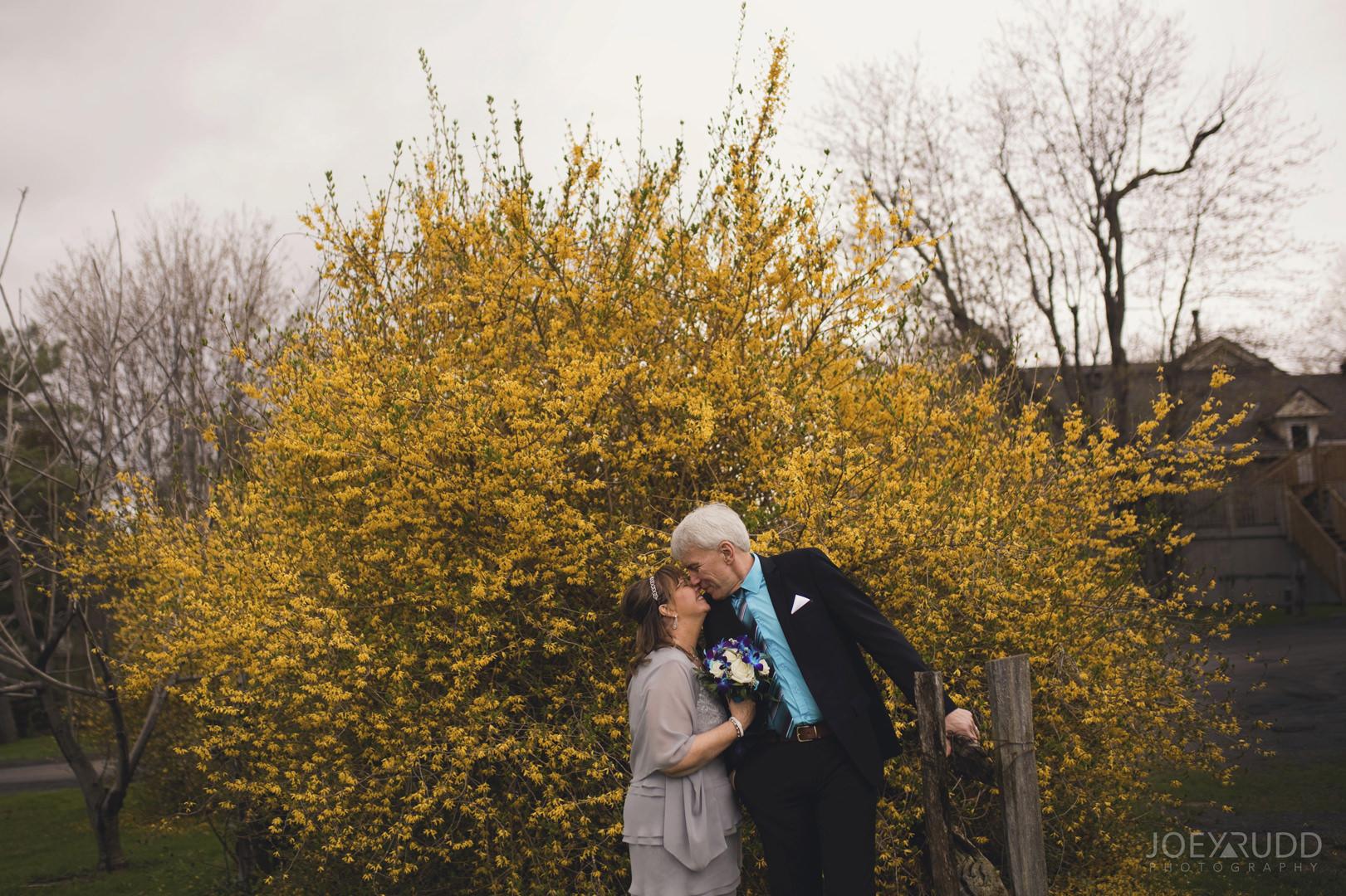 Strathmere Wedding by Ottawa Wedding Photographer Joey Rudd Photography Spring Flowers