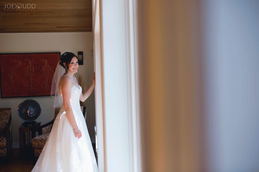 Val-des-Monts Wedding by Ottawa Wedding Photographer Joey Rudd Photography Lifestyle Candid