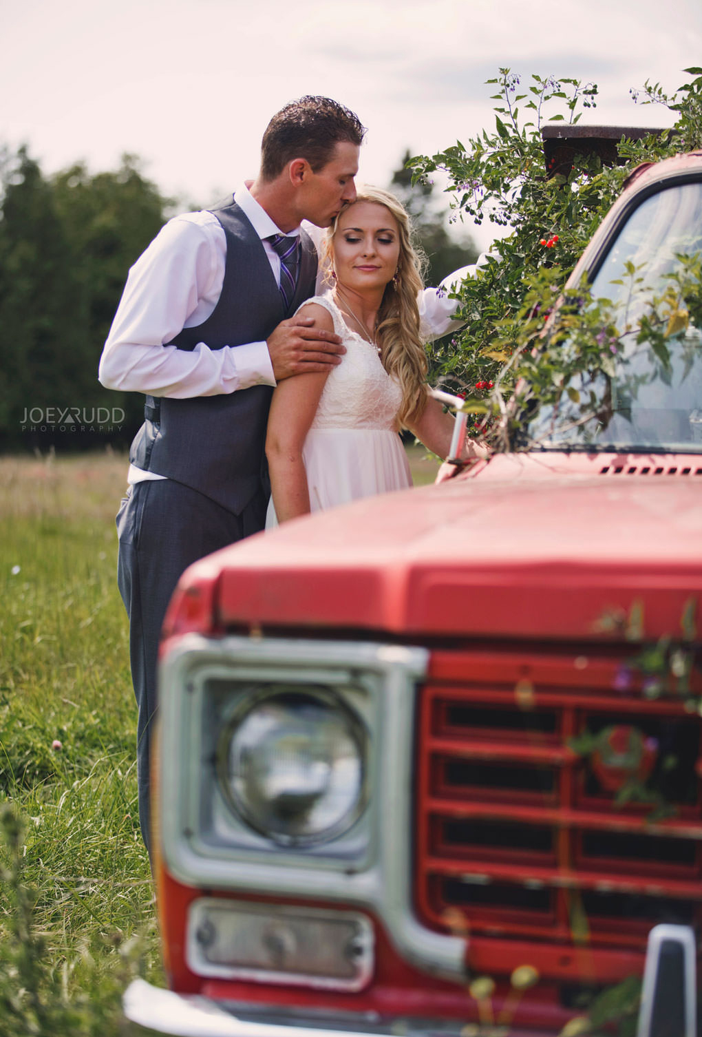 Ottawa Wedding Photography by Ottawa Wedding Photographer Joey Rudd Photography Elopement Carleton Place Smiths Falls Ontario Rustic Old Truck Pose