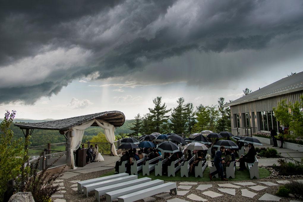 Rainy Photo Locations, Ottawa wedding rain options, outdoor ceremony in rain