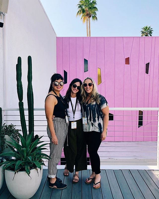 Day 1 at @altsummit and we heard from @joannagaines / @ohjoy and so much more. Soaking in so much knowledge and sunshine! Time to relax and get ready for a studio 54 party. . . . #palmsprings #altsummit #designfriends #graphicdesign