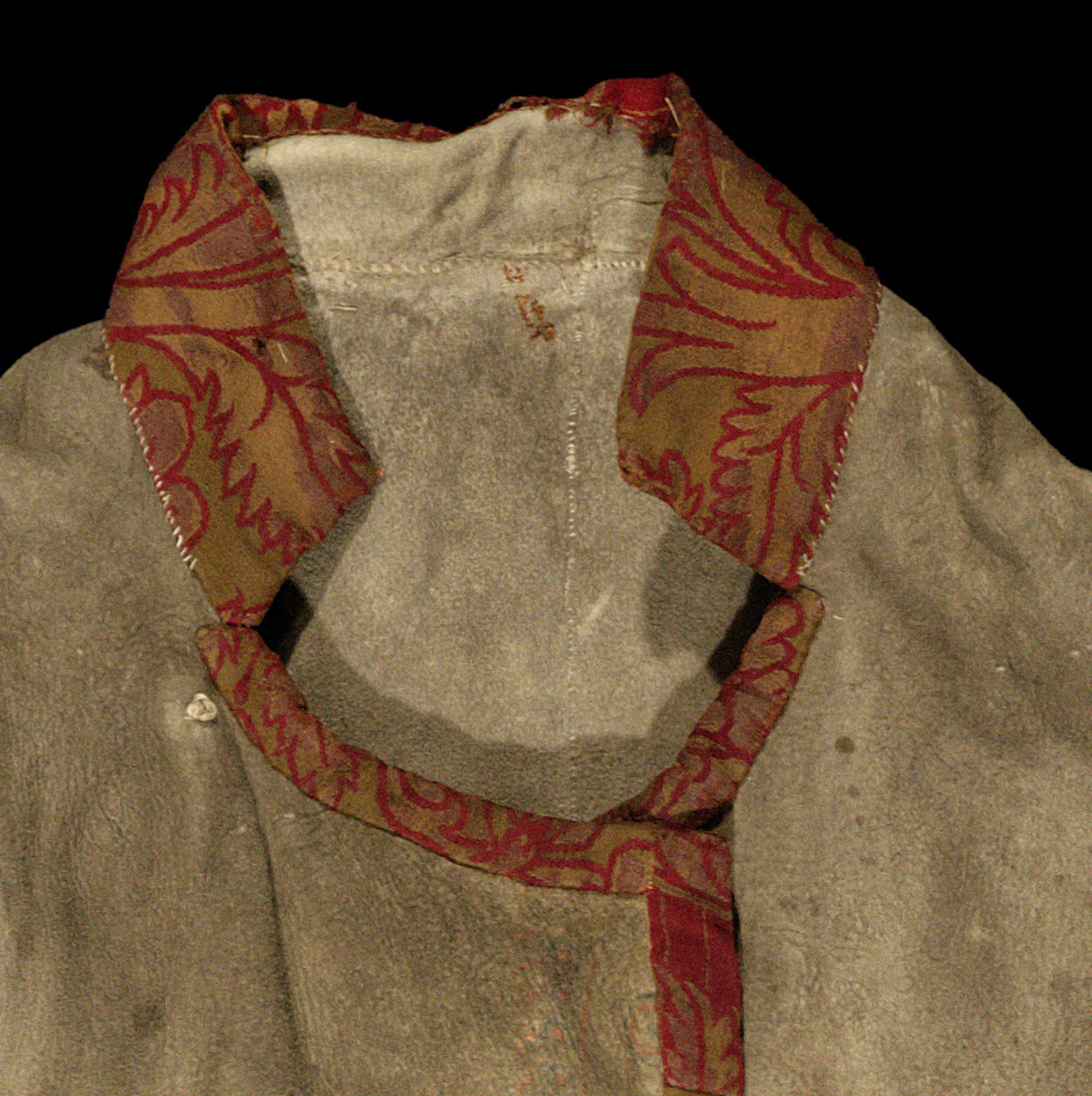 Detail of the Pitt Rivers Museum Long Hide Coat collar, 1906.83.1 . Photograph provided by the Pitt Rivers Museum.