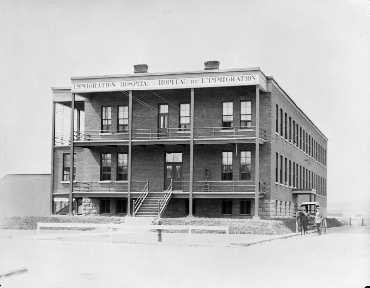 The Parc Savard Hospital in Québec takes over for Grosse Île after it shuts its doors in 1937. Image Credit: Dept. of Mines and Technical Surveys. Library and Archives Canada, PA-023209.