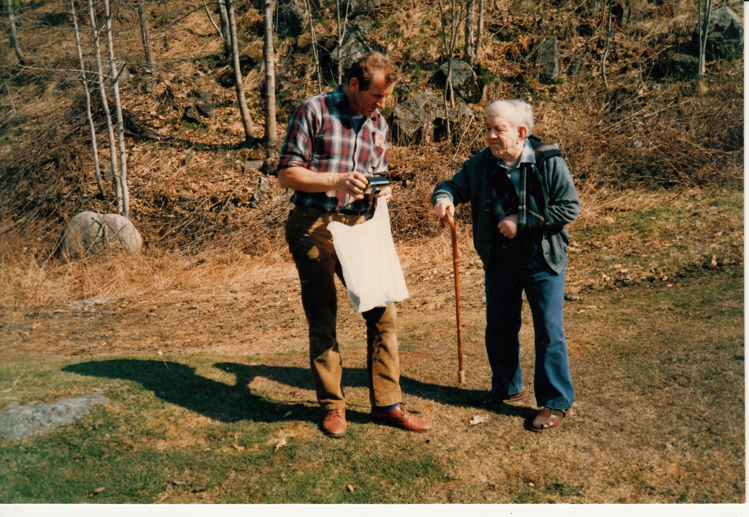 Kjell Bråten og Halvor Lia, på besøk i Osmunddalen - Ukjent årstall, men etter 1985.