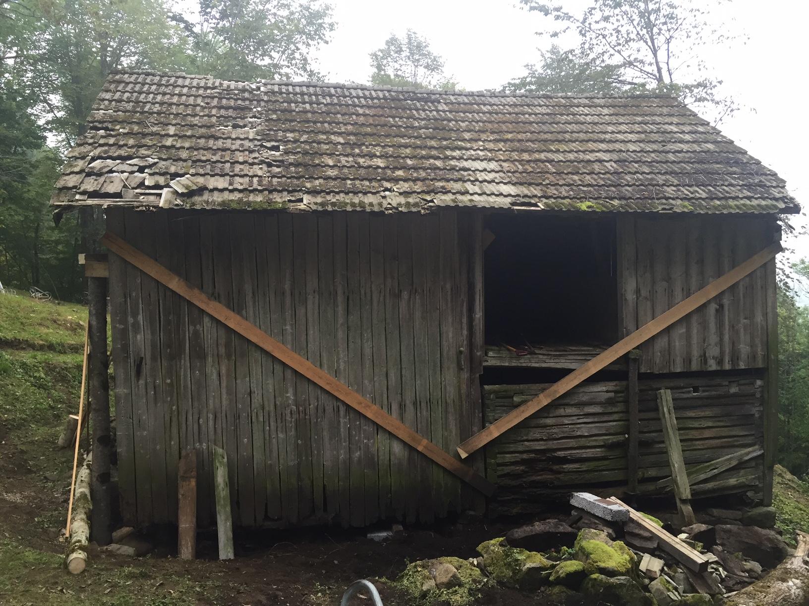 Taket har rettet seg ut.