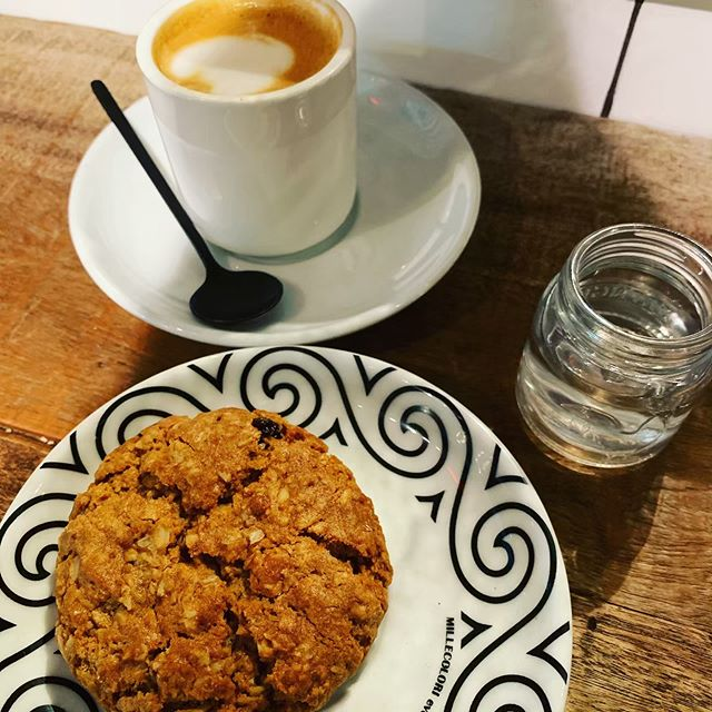 @alittletastenyc #cortado @ovenly granola cookie #afternoonbreak☕️