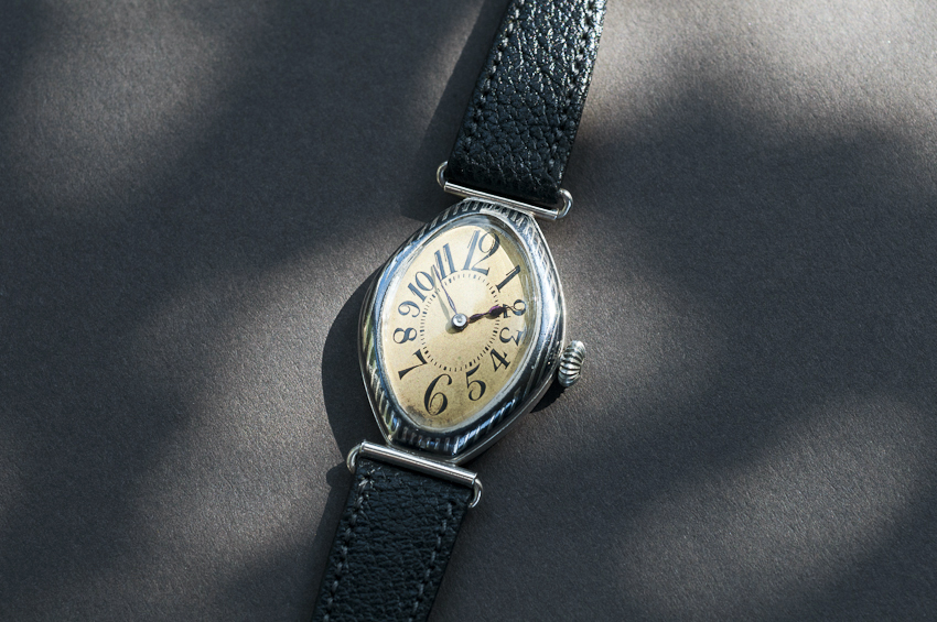 Gallet trench watch in Niello case with Electa 10/0 movement