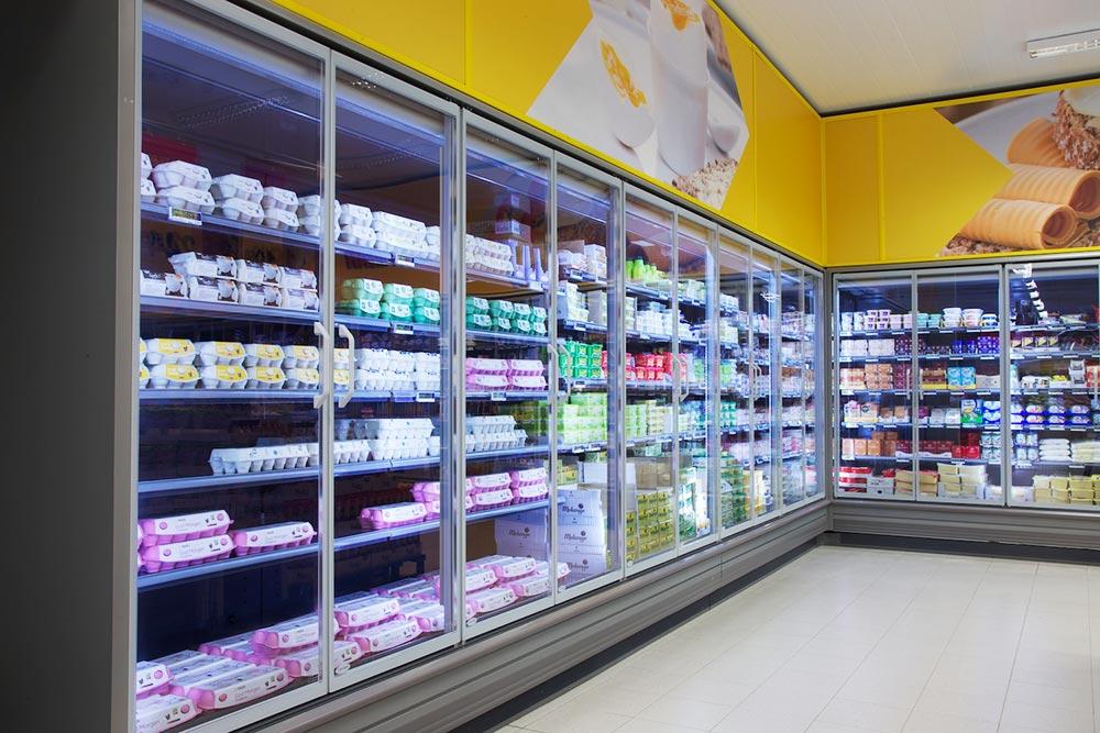 Kjølerom og fryserom   Fresvik Produkt er marknadsleiar på kjølerom og fryserom til butikk, men vi leverer også mykje til næringsmiddelbransjen og  offshore .   Les meir