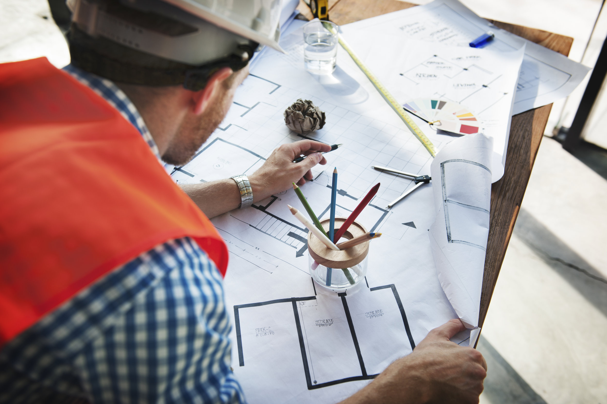 Gestión de obra - Los tiempos son vitales a la hora de construir, por lo que realizamos planificaciones de obras en equipo en estrecha relación con los contratistas. La comunicación es la clave de nuestro éxito.